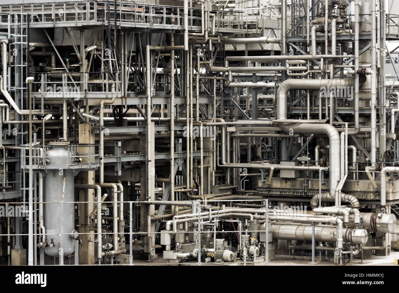 Rohrleitungen Von Einer Industrieanlage Für Öl Und Gas