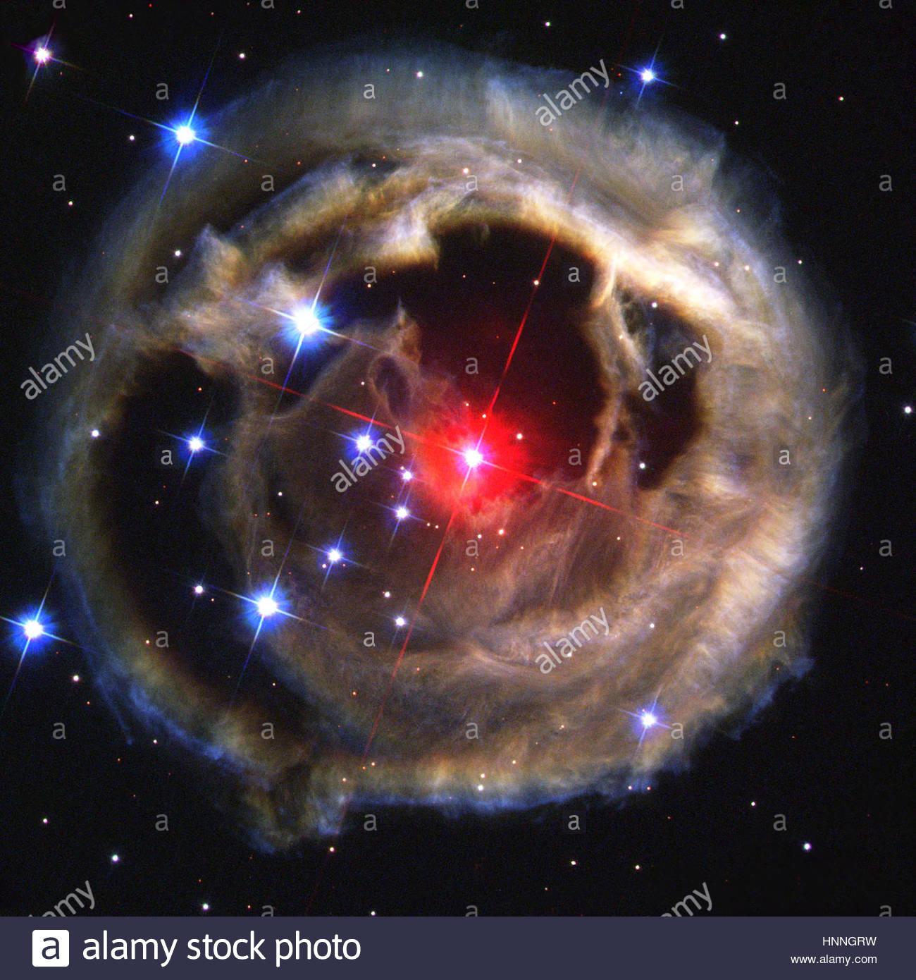 Über mehrere Monate im Jahr 2002 erfasst Hubble einen kosmische Spectaclea zerlumpten Ballon von Staub, die Stockbild