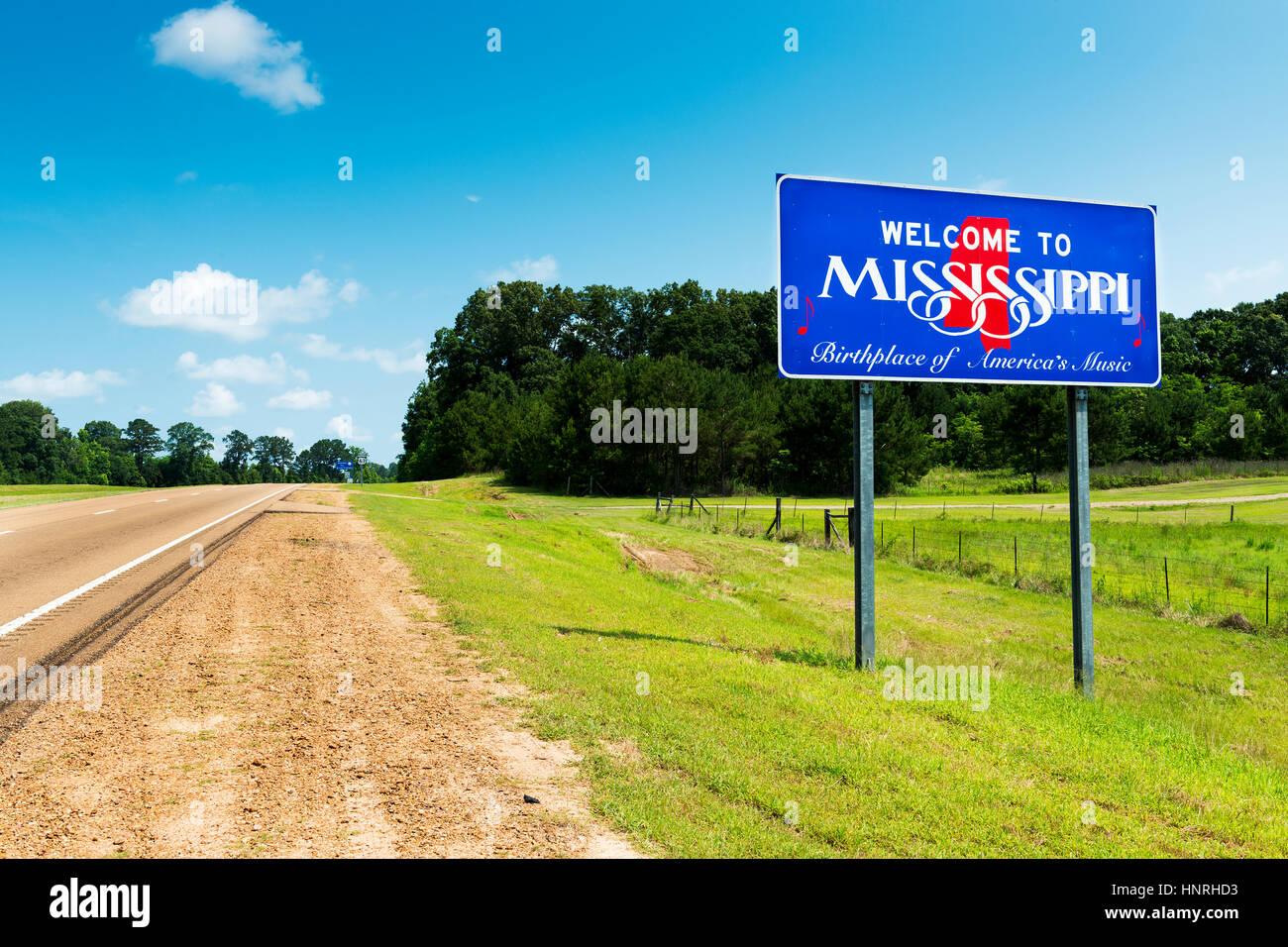 Mississippi State willkommen Zeichen entlang der uns Highway 61 in den USA; Konzept für eine Reise nach Amerika Stockbild