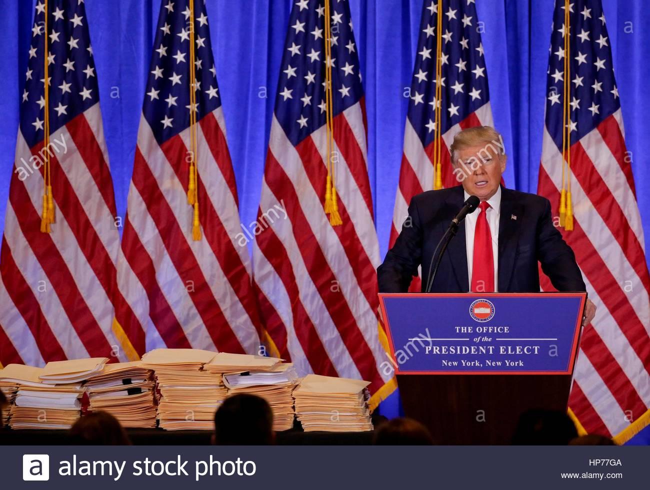 Gewählter Präsident Donald Trump spricht während einer Pressekonferenz, Mittwoch, 11. Januar 2017, Stockbild