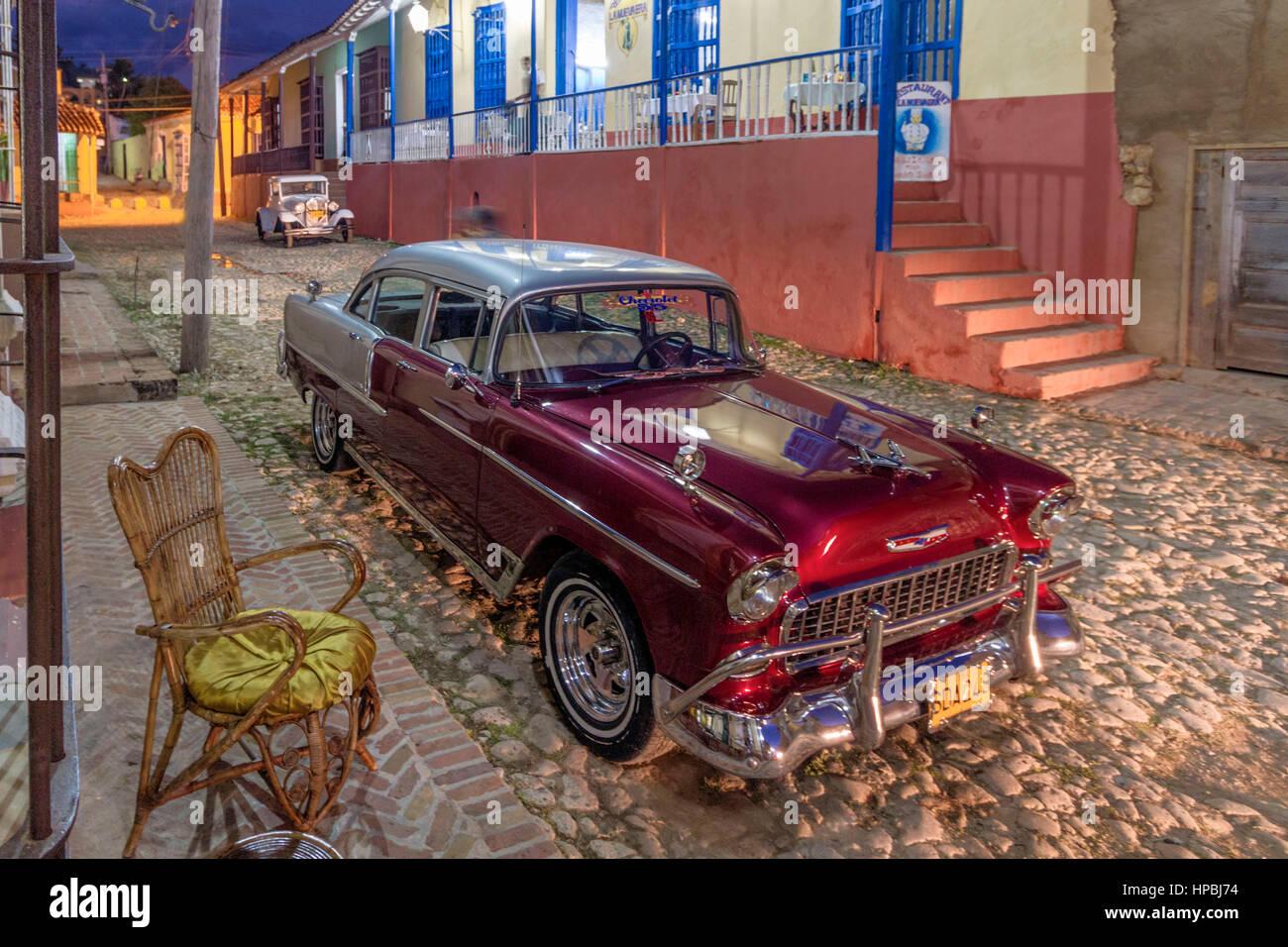Oldtimer, Straße mit Kopfsteinpflaster, Trinidad Kuba, Westindische Inseln, Stockbild