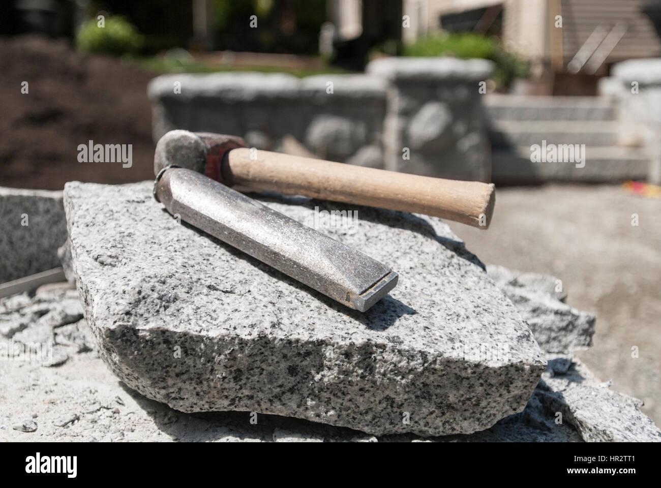 hartmetall mei el und hammer werkzeuge nutzt ein steinmetz stockfoto bild 134673057 alamy. Black Bedroom Furniture Sets. Home Design Ideas
