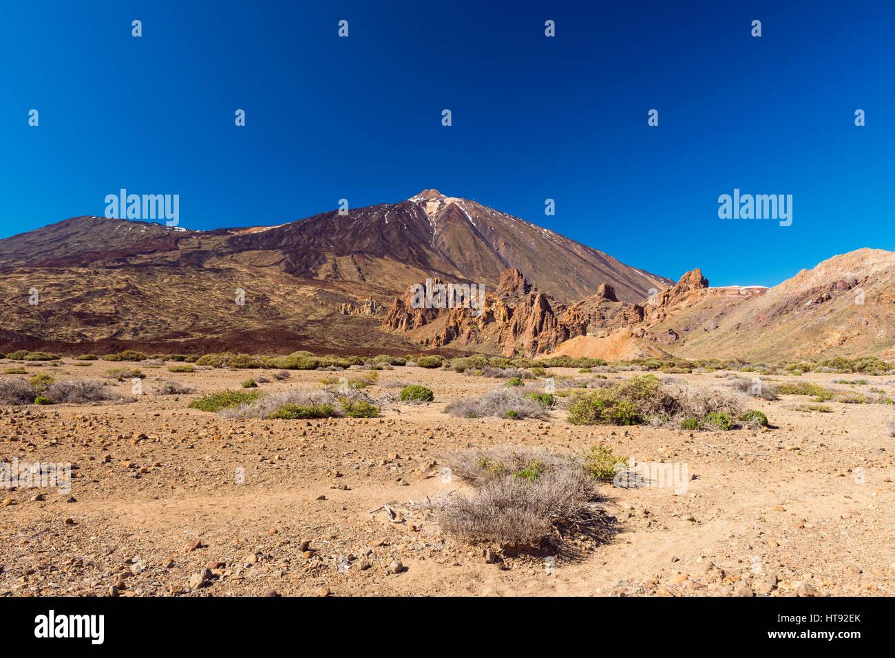 Berg Pico del Teide mit vulkanischen Landschaft, Parque Nacional del Teide, Teneriffa, Kanarische Inseln, Spanien Stockbild