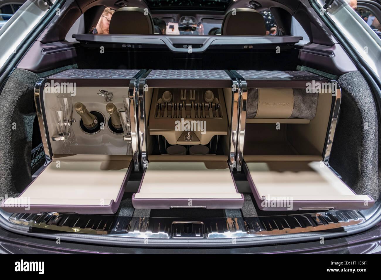 Bentley Bentayga SUV Mulliner Luxus special Edition mit Getränke und Picknick-Fach am 87. Genfer Autosalon Stockbild