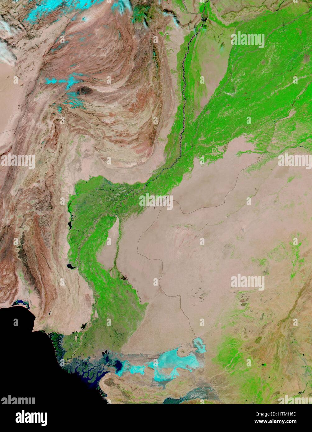 False-Farbbilder verfügen über den Indus River Valley, eine Oase der Vegetation ermöglicht durch Stockbild
