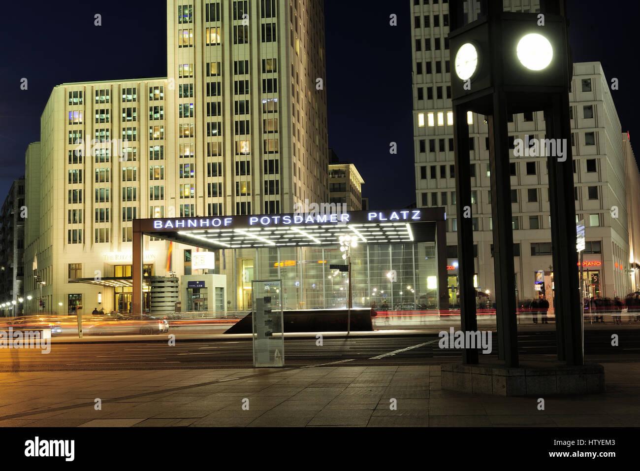 Berlin, Potsdamer Platz, real, Reise, reisen, Ritz, Ritz Carlton Hotel, sehenswuerdigkeit, Sightseeing, skycraper, Stockbild