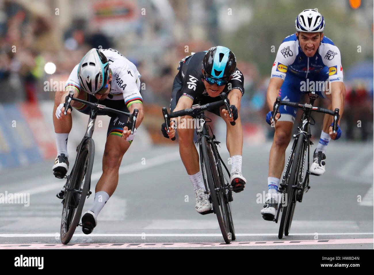 18 März 2017 108. Milano - Sanremo 1.: Michal KWIATKOWSKI (POL) Sky 2.: SAGAN Peter (SVK) Bora - Hansgrohe Stockbild