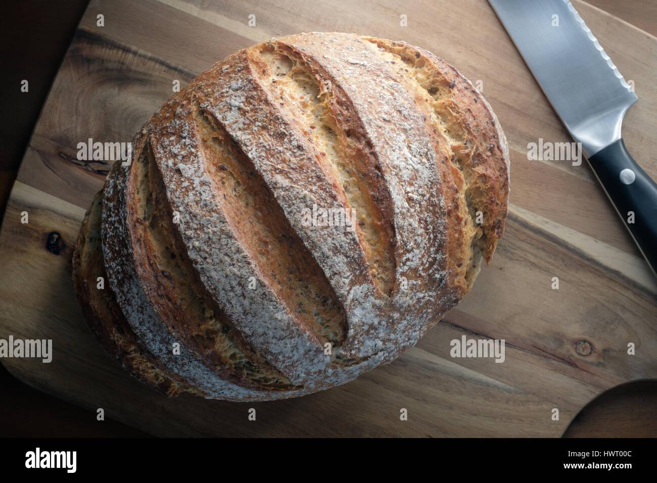 Frischen traditionellen Laib Brot - von oben Stockbild