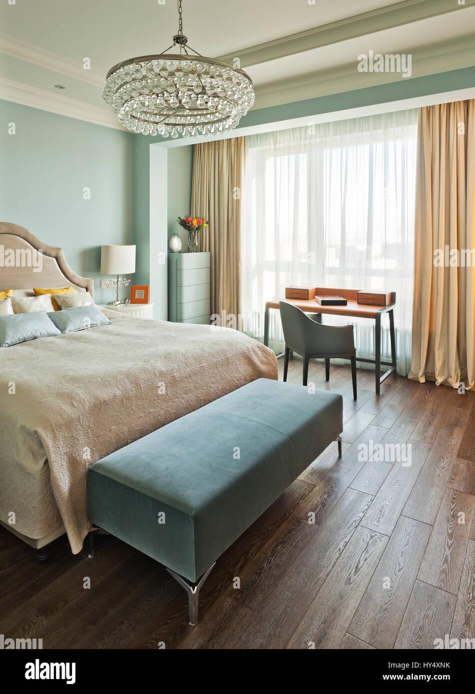 Luxus-Wohnung im klassischen Stil in Moskau; Innenarchitektur ...