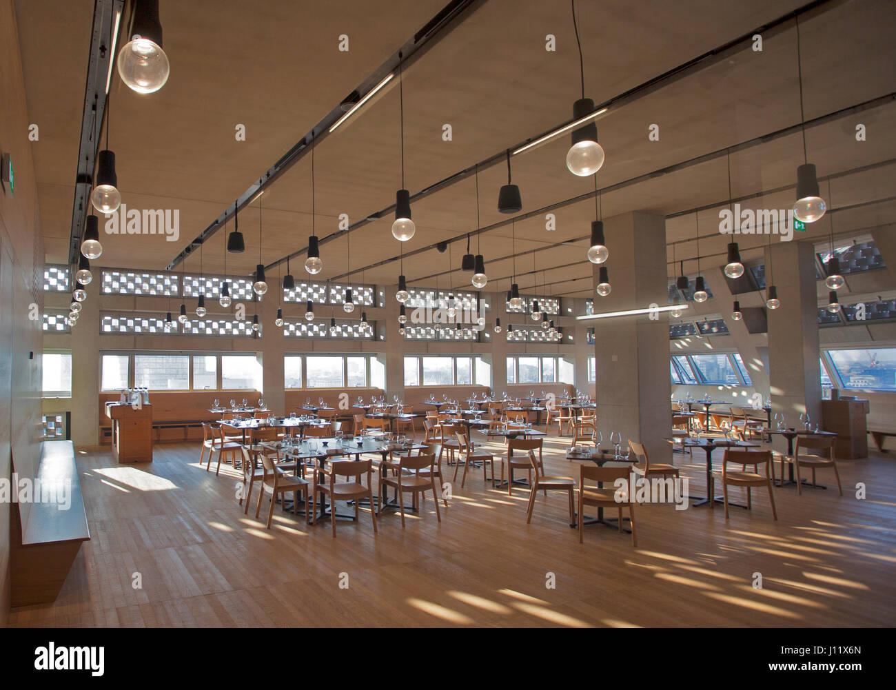 Tate Modern Schalter House Restaurant aufgenommen bei Tageslicht mit keine Kunden präsentieren, Vereinigtes Stockbild