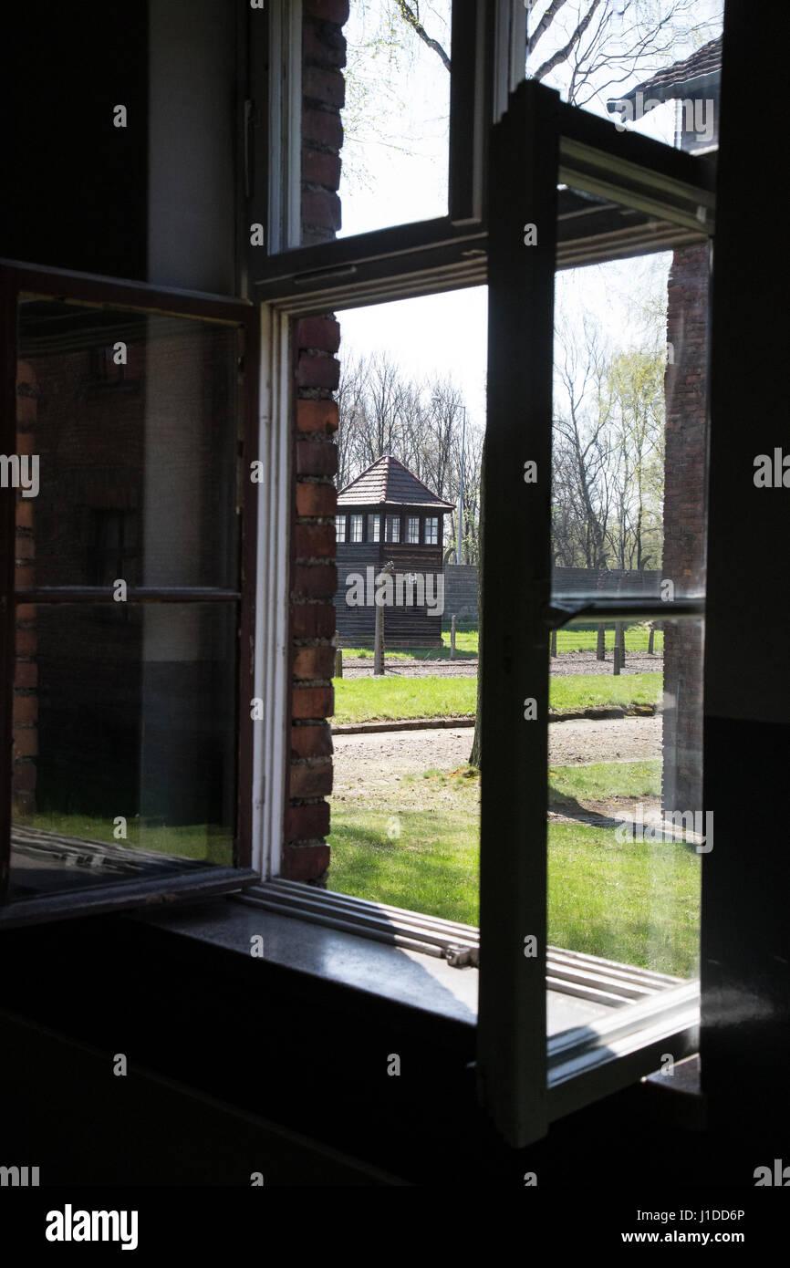blick aus dem fenster im kz auschwitz stockfoto bild 138593358 alamy. Black Bedroom Furniture Sets. Home Design Ideas