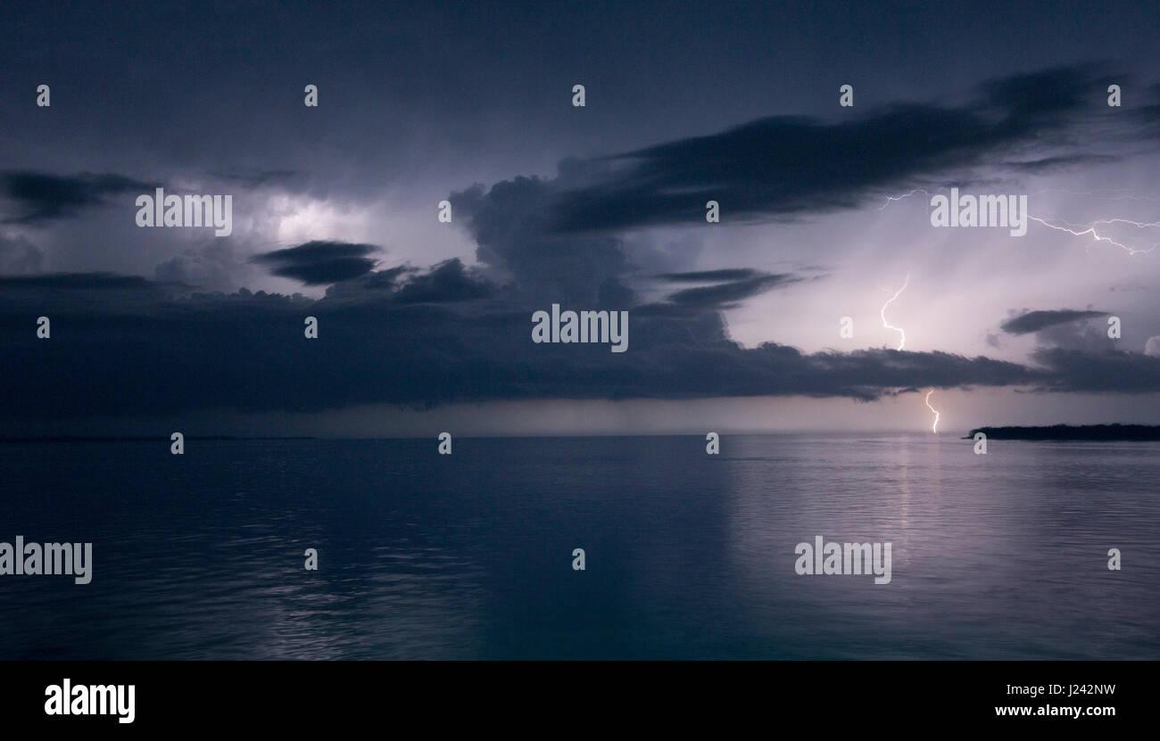 Gewitter auf See Stockbild