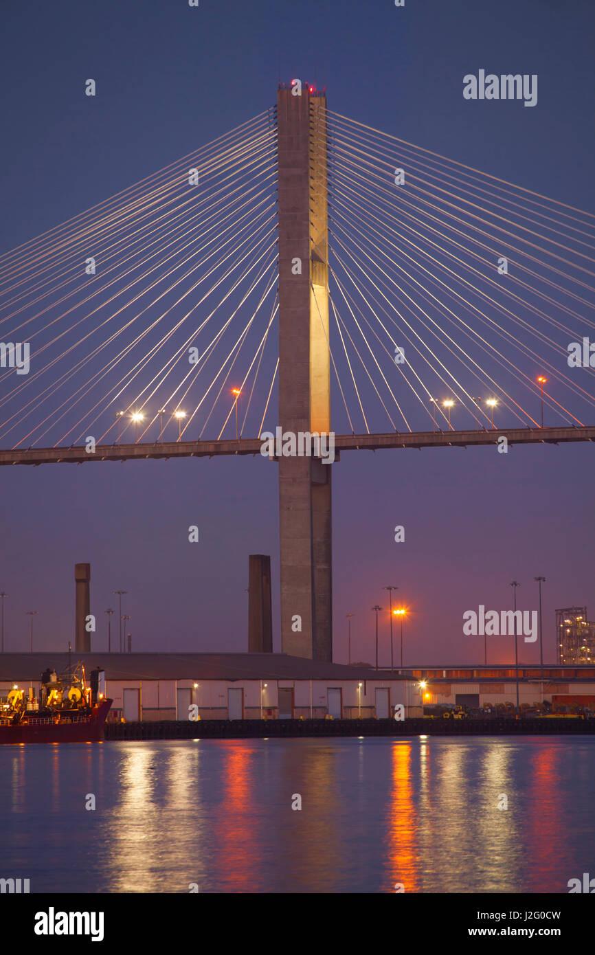 USA, Georgia, Savannah, Spannweite der Talmadge Memorial Bridge Stockbild