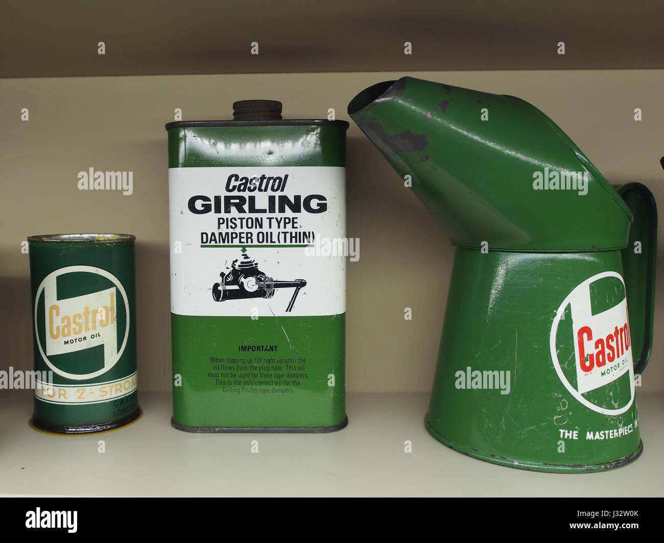 Castrol Girling Kolben Dämpfer Öl Stockbild