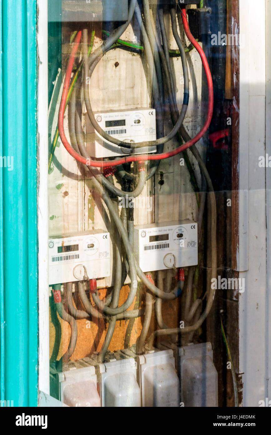 Ausgezeichnet Elektrische Leistungsschalter Galerie - Der Schaltplan ...