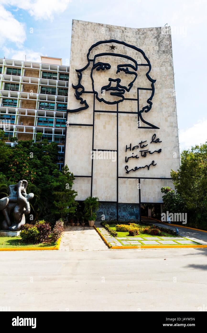 berühmte Kunstwerke von Che Guevara in Platz der Revolution, Havanna Regierungsgebäude in Revolution Square Stockbild