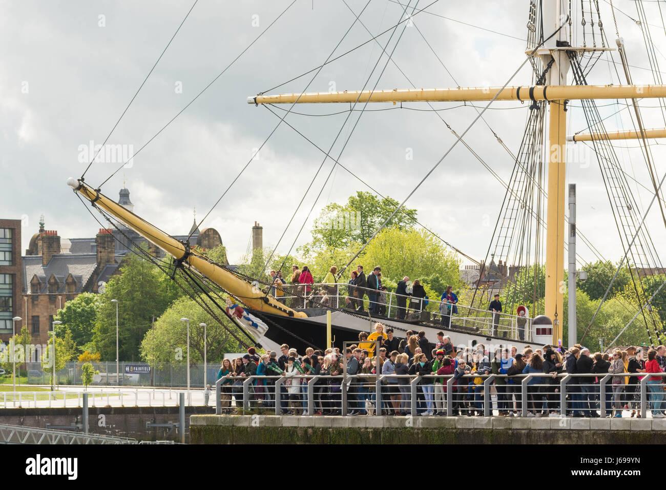Großsegler, Riverside Museum, Glasgow, Schottland. 20. Mai 2017. UK-Wetter - strahlender Sonnenschein, Wolken Stockbild
