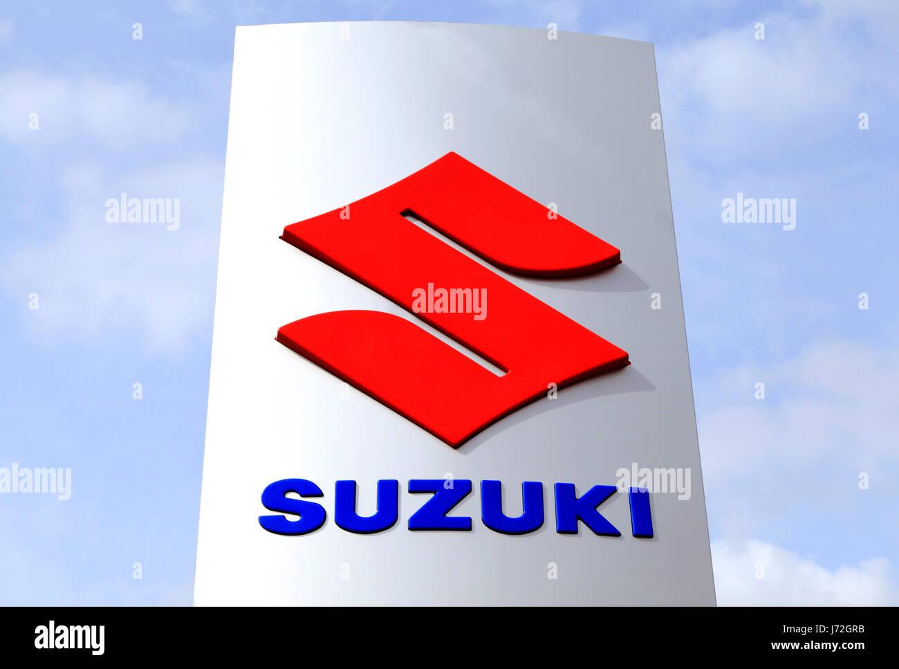 suzuki zeichen logo automobil hersteller h ndler england uk stockfoto bild 142042639 alamy. Black Bedroom Furniture Sets. Home Design Ideas