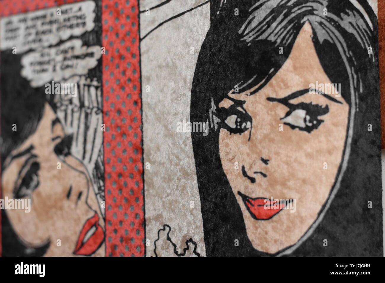 Eine abstrakte Mädchen an Wand malen. Stockbild