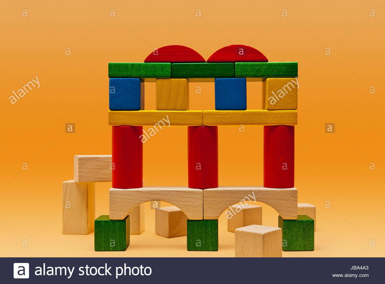 Viadukt, Ausgrabungsstätte, Aquädukt, Brückenkonstruktion, Tenebra Nachgestellt aus Bunton Bauklötzen. Stockbild