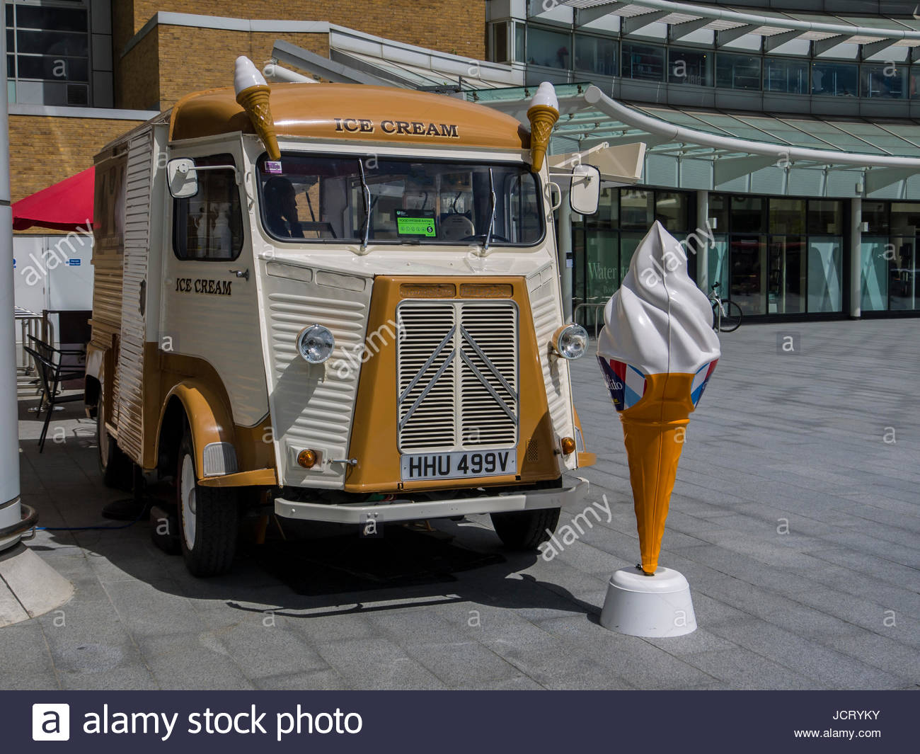 West Quay Shopping Französisch Ice Cream Van Southampton Hampshire England Stockbild