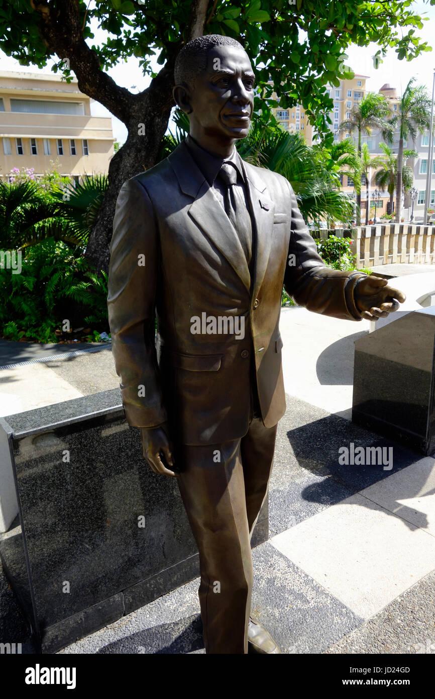Bronze Statue von Barack Obama ehemalige US-Präsident in San Juan, Puerto Rico. Stockbild
