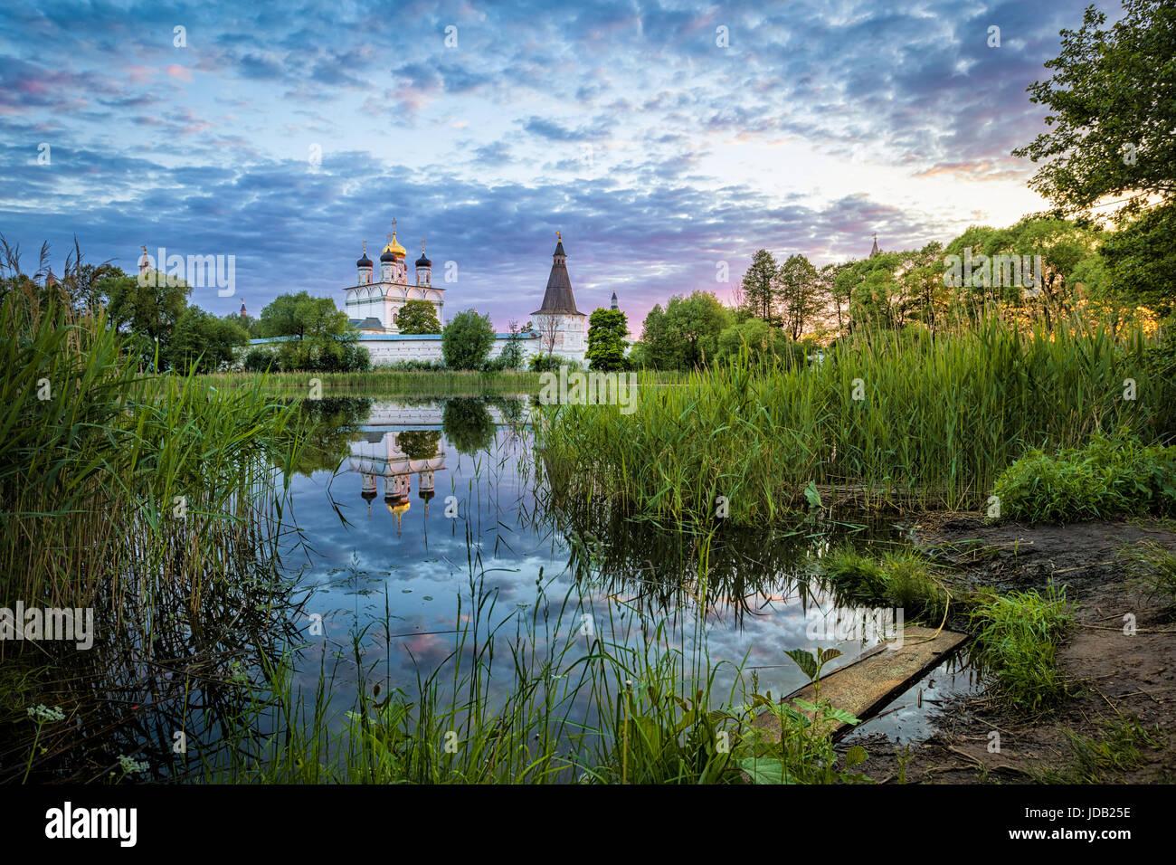 pond stockfotos pond bilder alamy. Black Bedroom Furniture Sets. Home Design Ideas