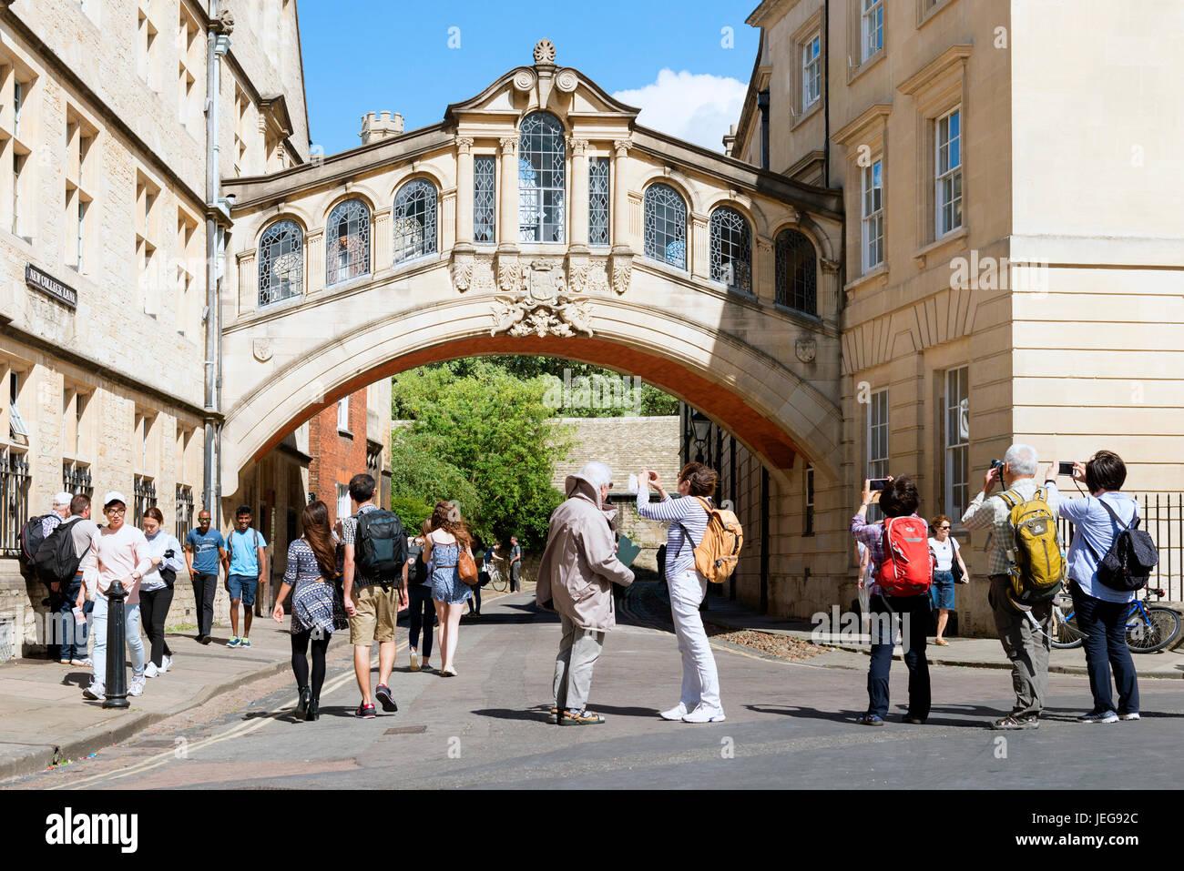 Seufzerbrücke, Oxford City Centre, Großbritannien. Stockbild