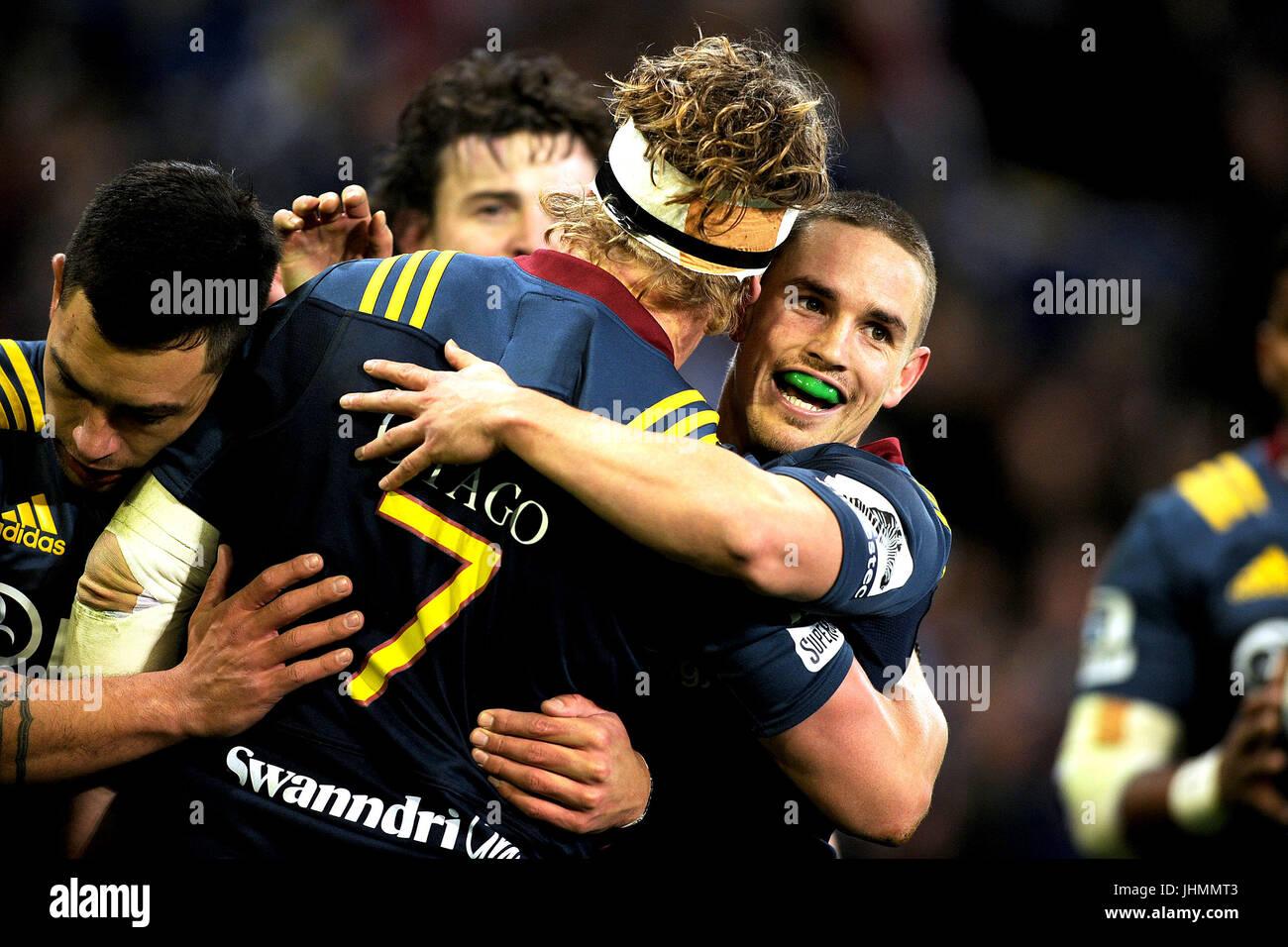 14. Juli 2017, Forsyth Barr Stadium, Dunedin, Neuseeland; Kayne Hammington die Highlanders feiert James Lentjes Stockbild