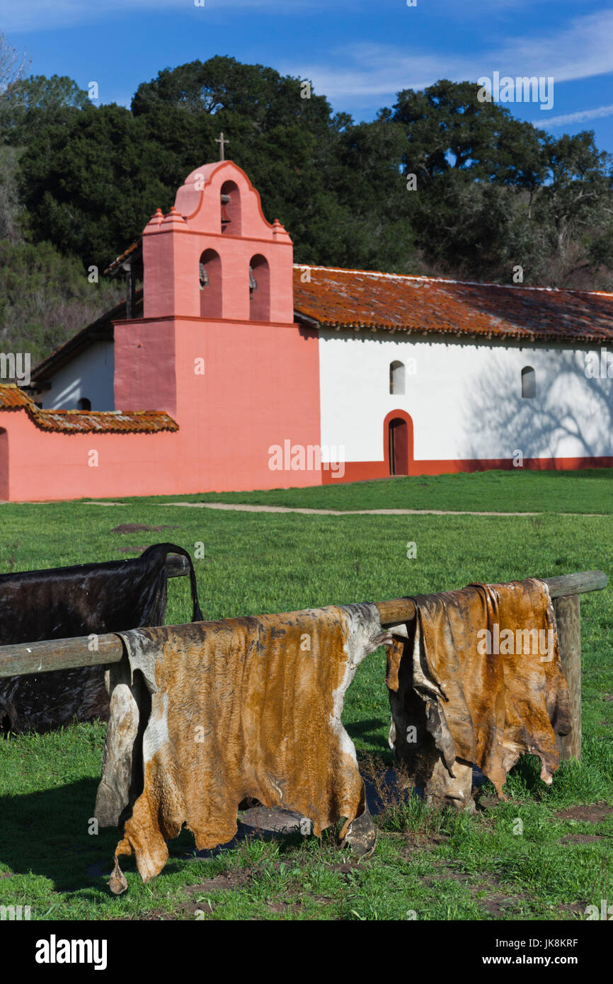 USA, California, Southern California, Lompoc, La Purisima State Historic Mission Park, außen mit Rinderhäute Stockbild