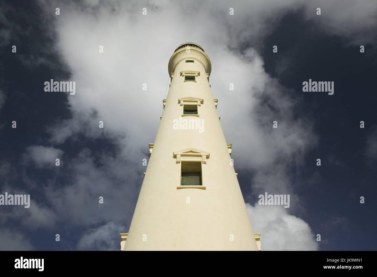 Aruba, Nordküste, Leuchtturm, California Leuchtturm, von unten, Wolkenhimmel, ABC-Inseln, Kleine Antillen, Stockbild