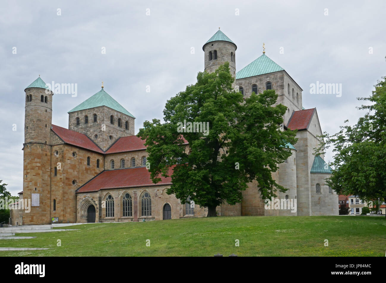 Hildesheimer Dom, Hohe Domkirche St. Mariä Himmelfahrt, Hildesheim, Niedersachsen, Deutschland | Hildesheimer Stockbild