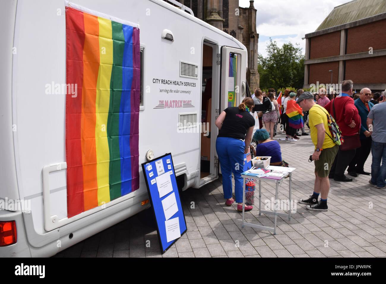 Stadt erreichen Gesundheitsleistungen auf stolz 2017, Norwich UK, 29. Juli 2017 Stockbild