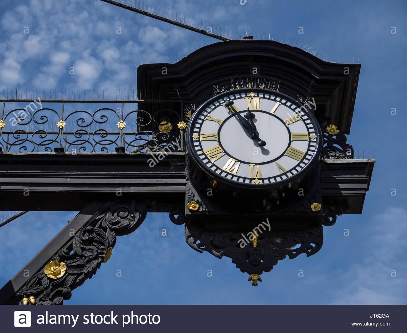 Winchester Hampshire England Town Clock High Street Stockbild