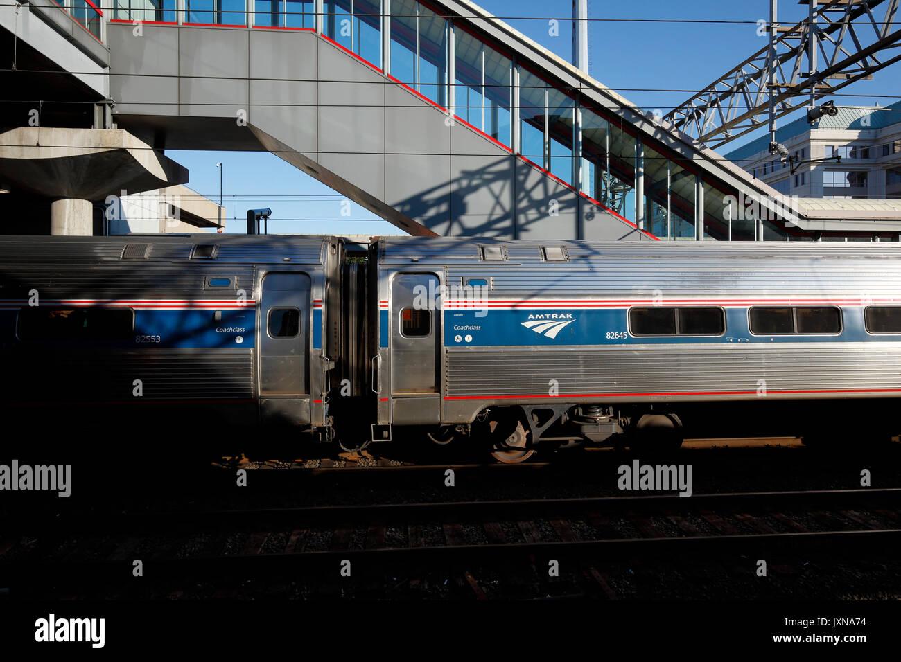 Northeast Regional Zug am Bahnhof Stockbild