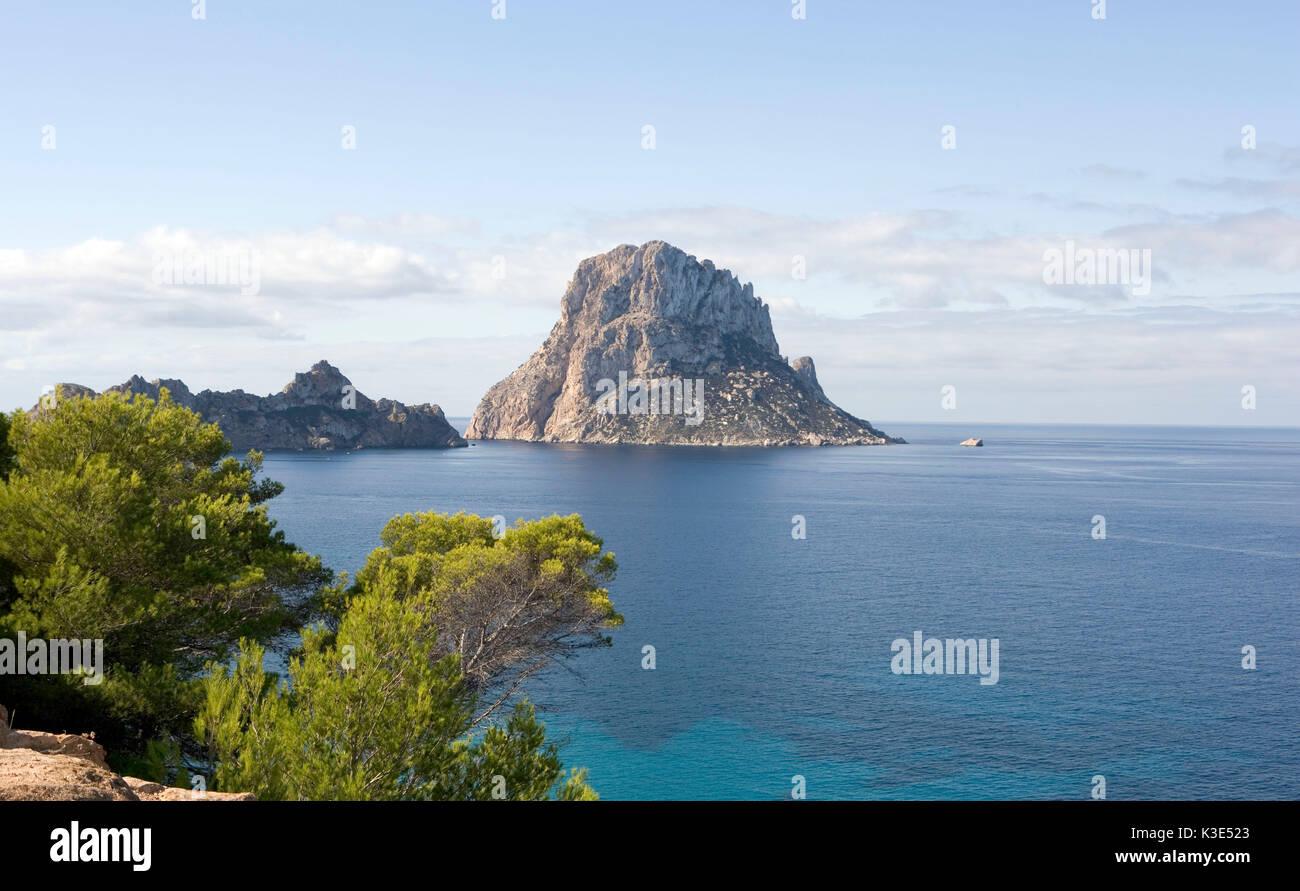 Südwestküste - sterben Nummern-oper Inseln Es Vedra und Es Vedranell - 382 m ragt es Vedra aus dem Meer Stockbild
