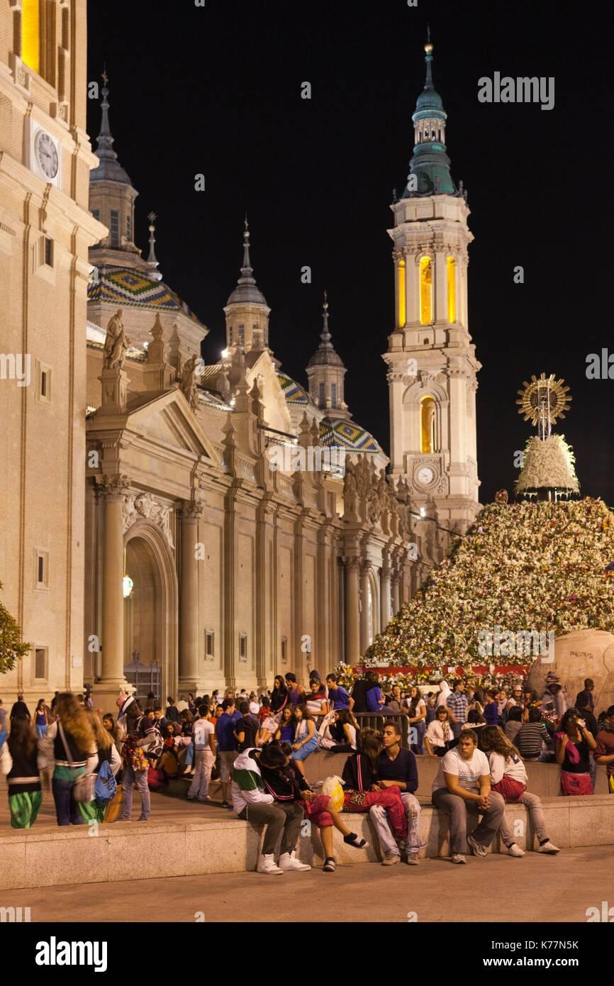 Spanien, Region Aragón, Provinz Saragossa, Zaragoza, Plaza del Pilar, Abend Stockbild