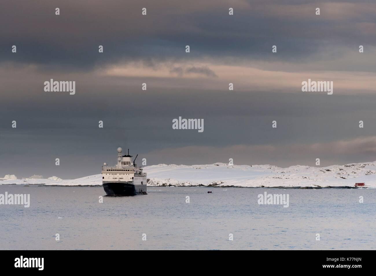 Ozean Endeavour Kreuzfahrtschiff der Lemaire Kanal, Antarktis Stockbild