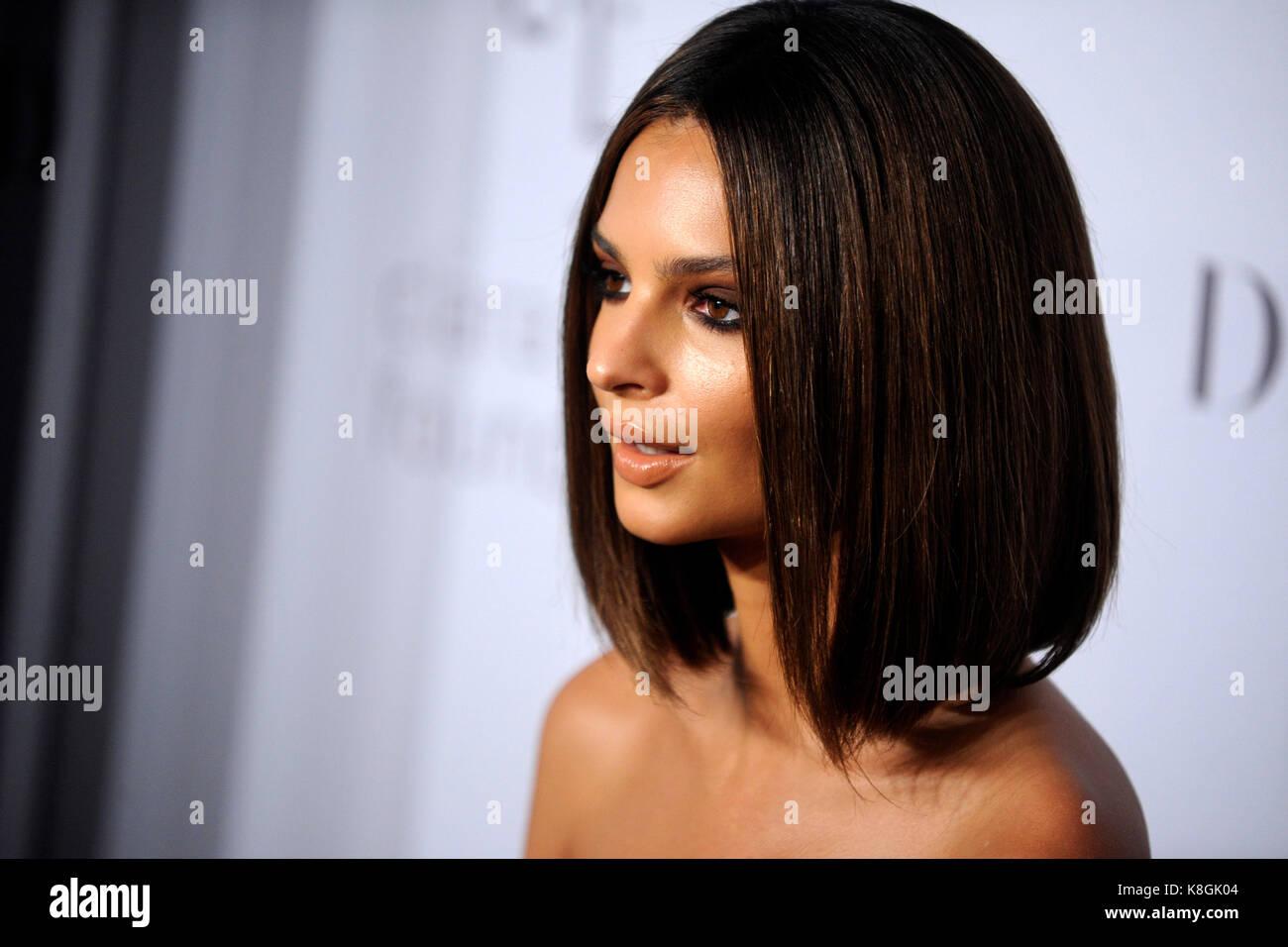 Emily ratajkowski besucht 3. jährlichen Diamond's Rihanna ball Clara lionel Stiftung bei Cipriani wall Stockbild