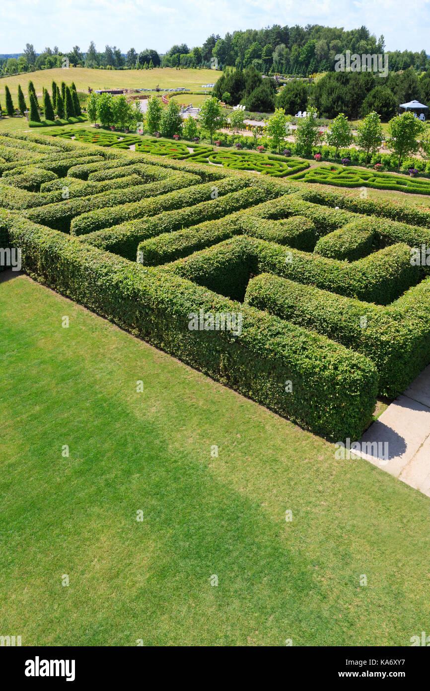 labyrinth aerial view stockfotos labyrinth aerial view bilder seite 2 alamy. Black Bedroom Furniture Sets. Home Design Ideas