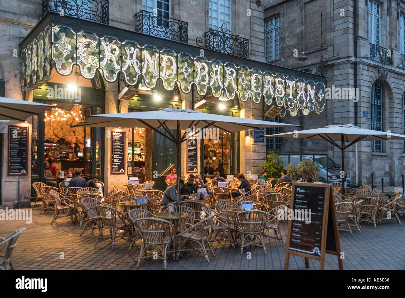 Quai de la Douane, Grand Bar Castan, Street Cafe, Bordeaux, Frankreich Stockbild
