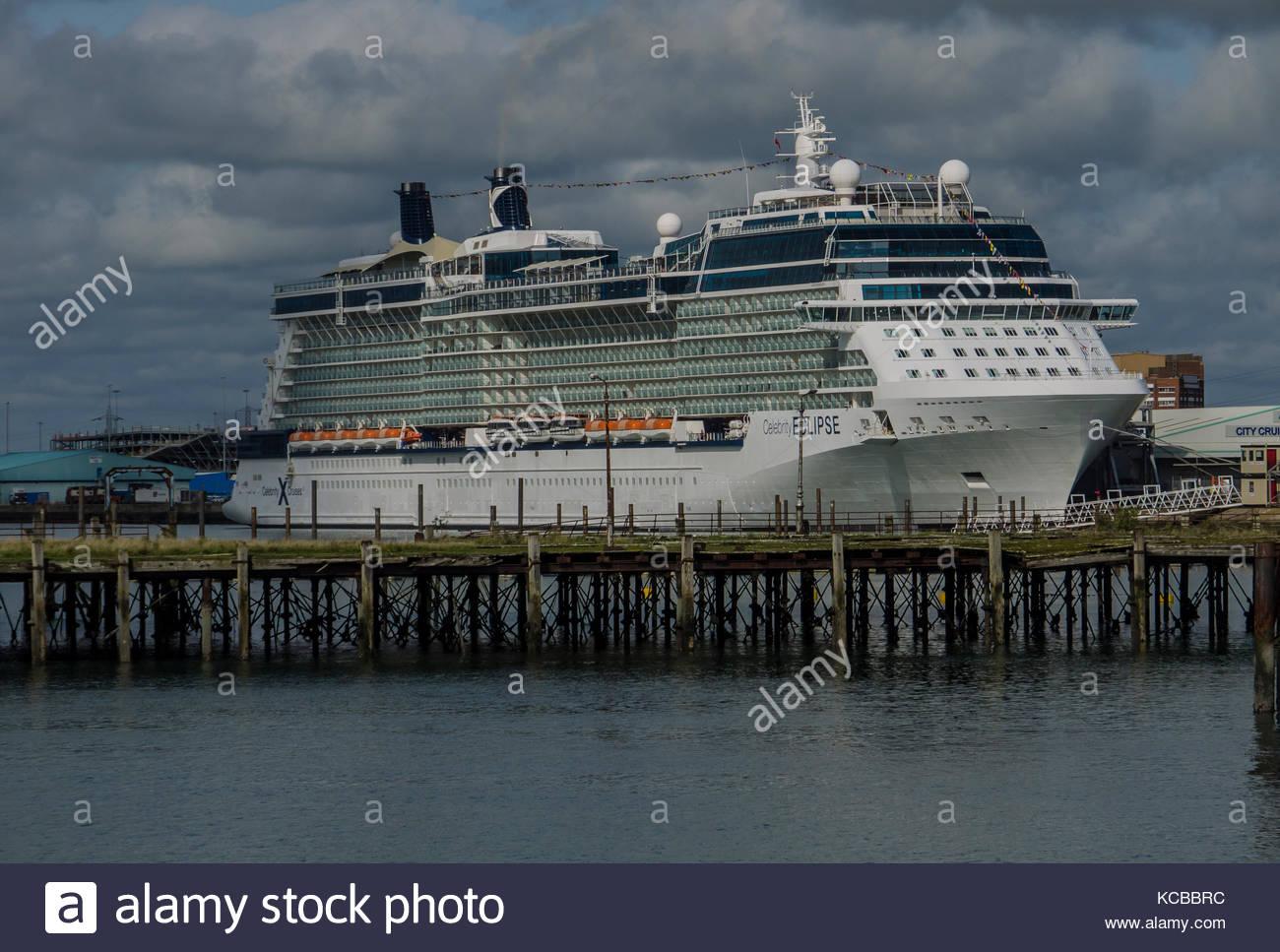 Celebrity Eclipse Kreuzfahrtschiff in Southampton, Hampshire england September 2017 angedockt Stockbild