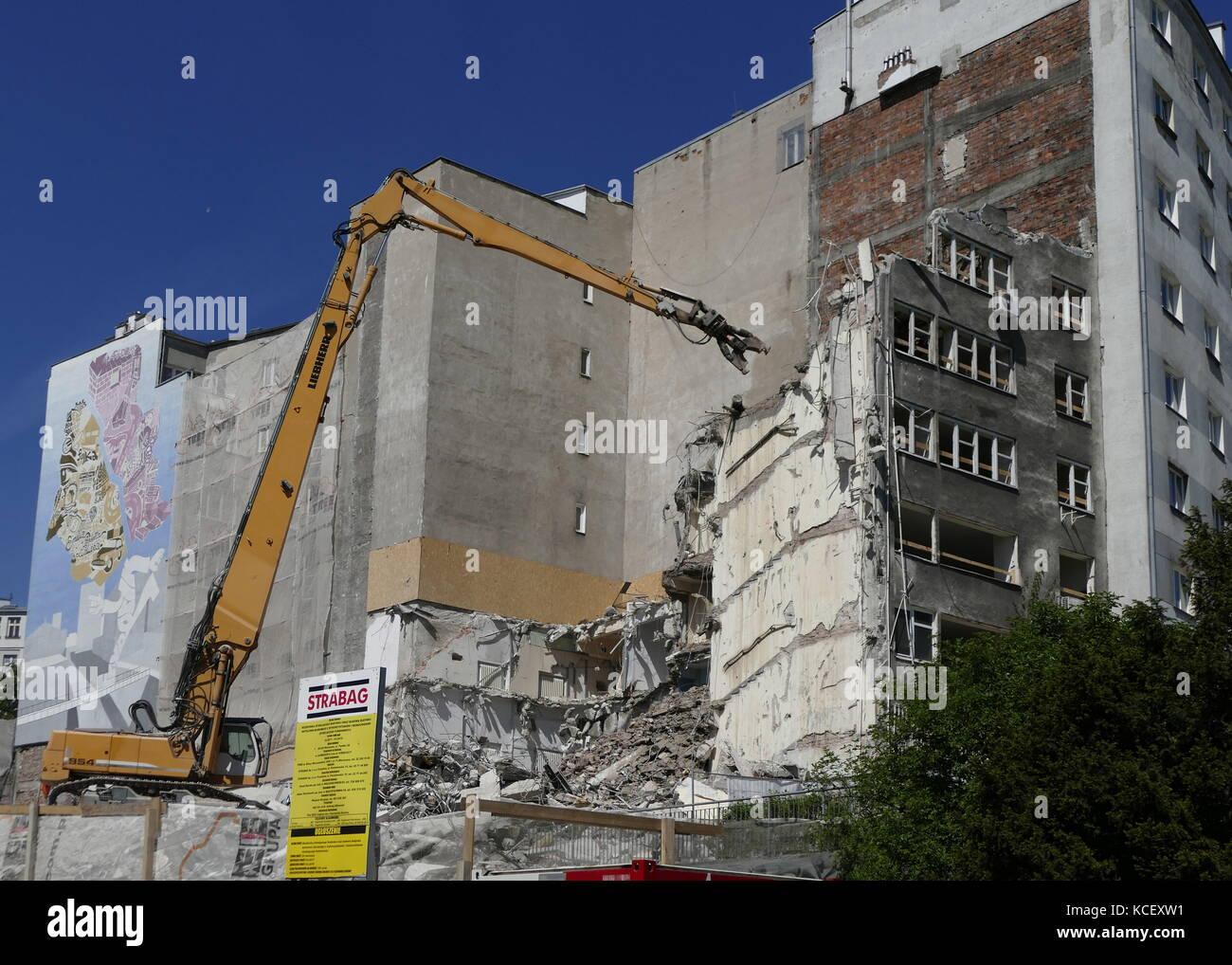 Abriss der kommunistischen Ära Gebäuden und Wohnungen in Warschau, Polen. Vom 21. Stockbild