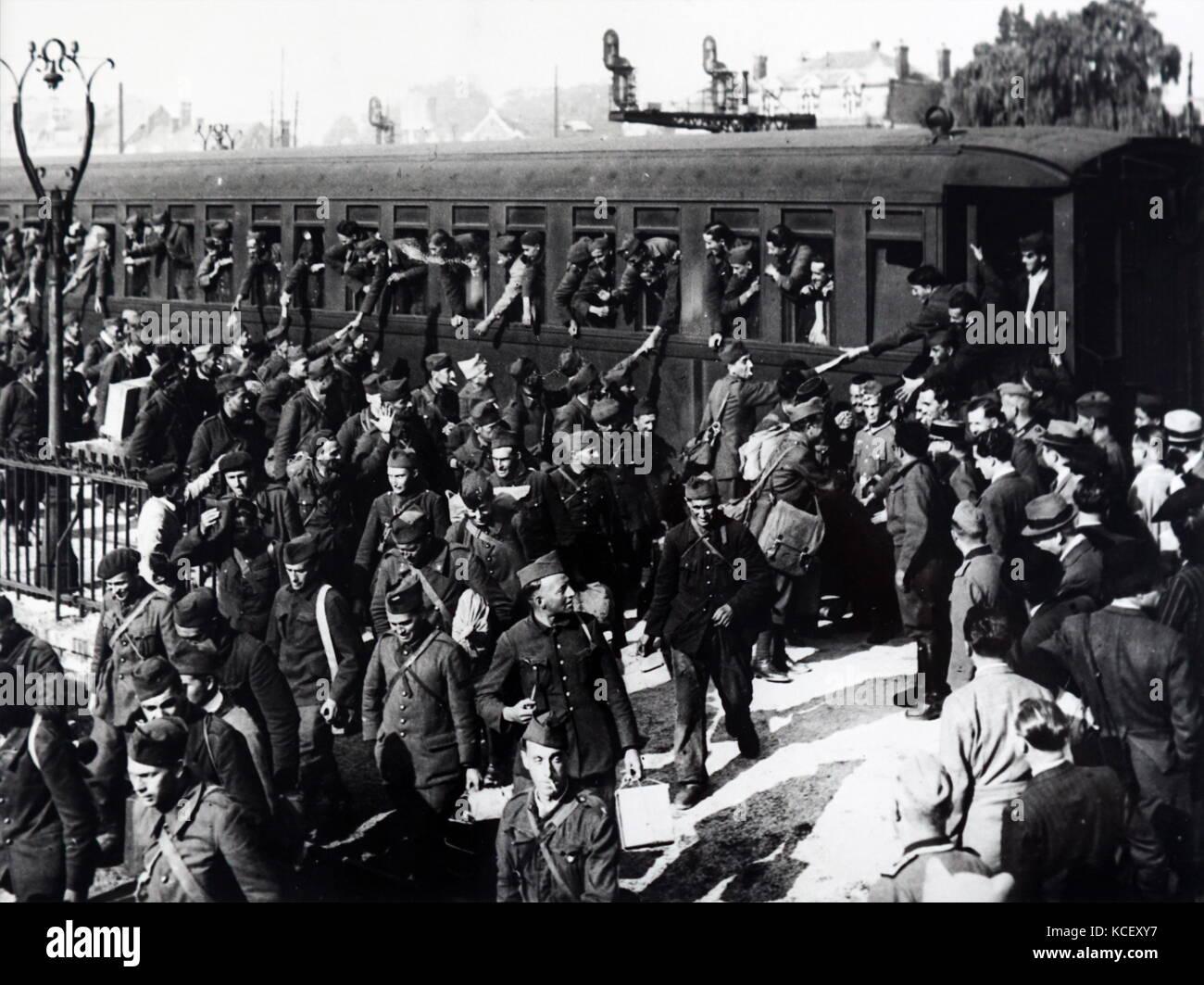 Foto des Zweiten Weltkriegs französische Kriegsgefangene unter deutscher Besatzung in Frankreich freigegeben Stockbild