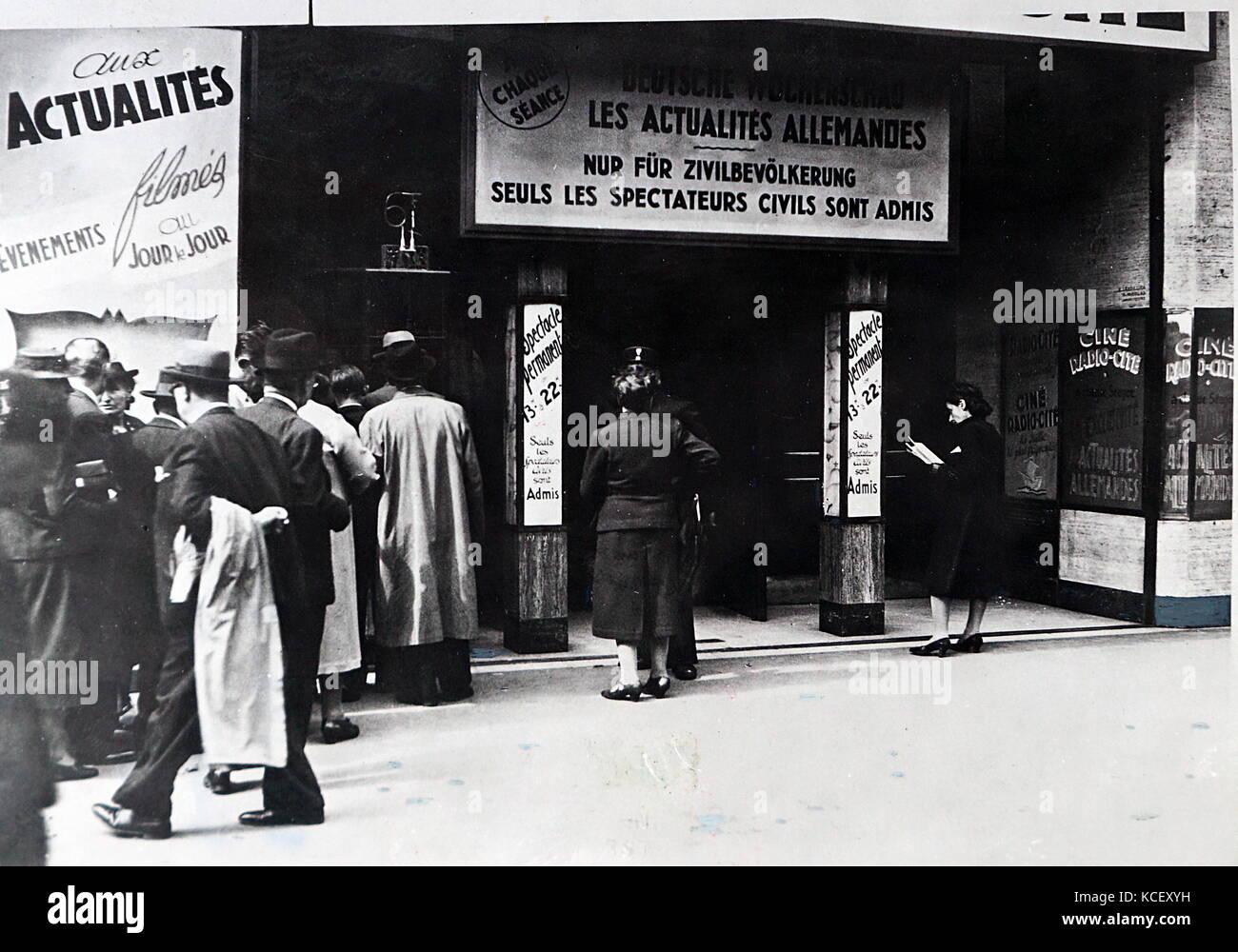 Foto von einem Kino in Paris im deutsch besetzten Frankreich. Vom 20. Stockbild