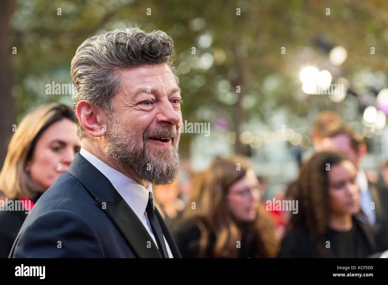 London, Großbritannien. 4. Oktober 2017. Andy Serkis des uk Film Premiere von Atmen im Odeon Leicester Square Stockbild