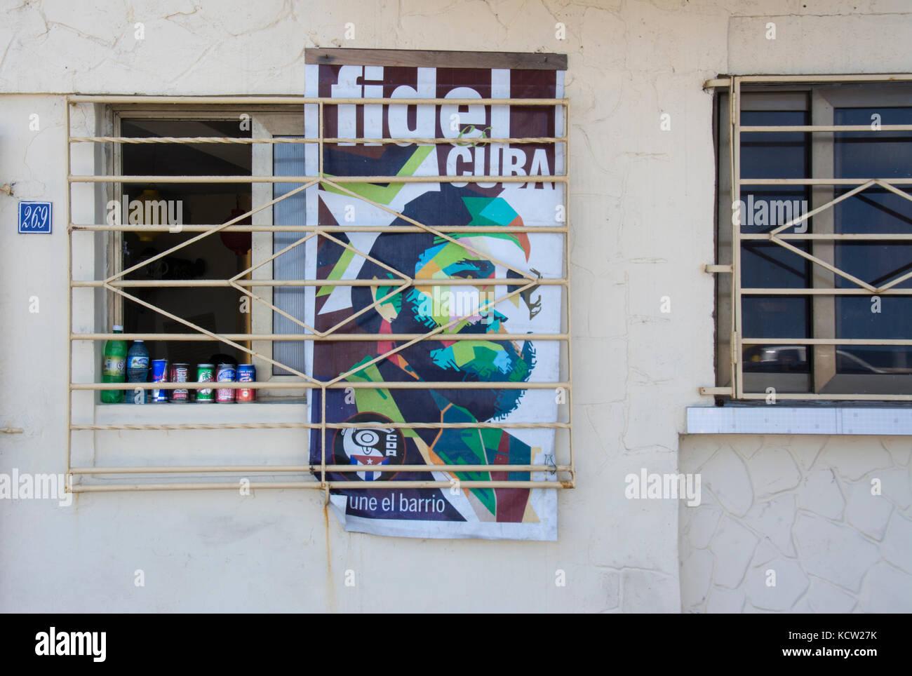 Fidel Castro Plakat im Schaufenster, Havanna, Kuba Stockbild