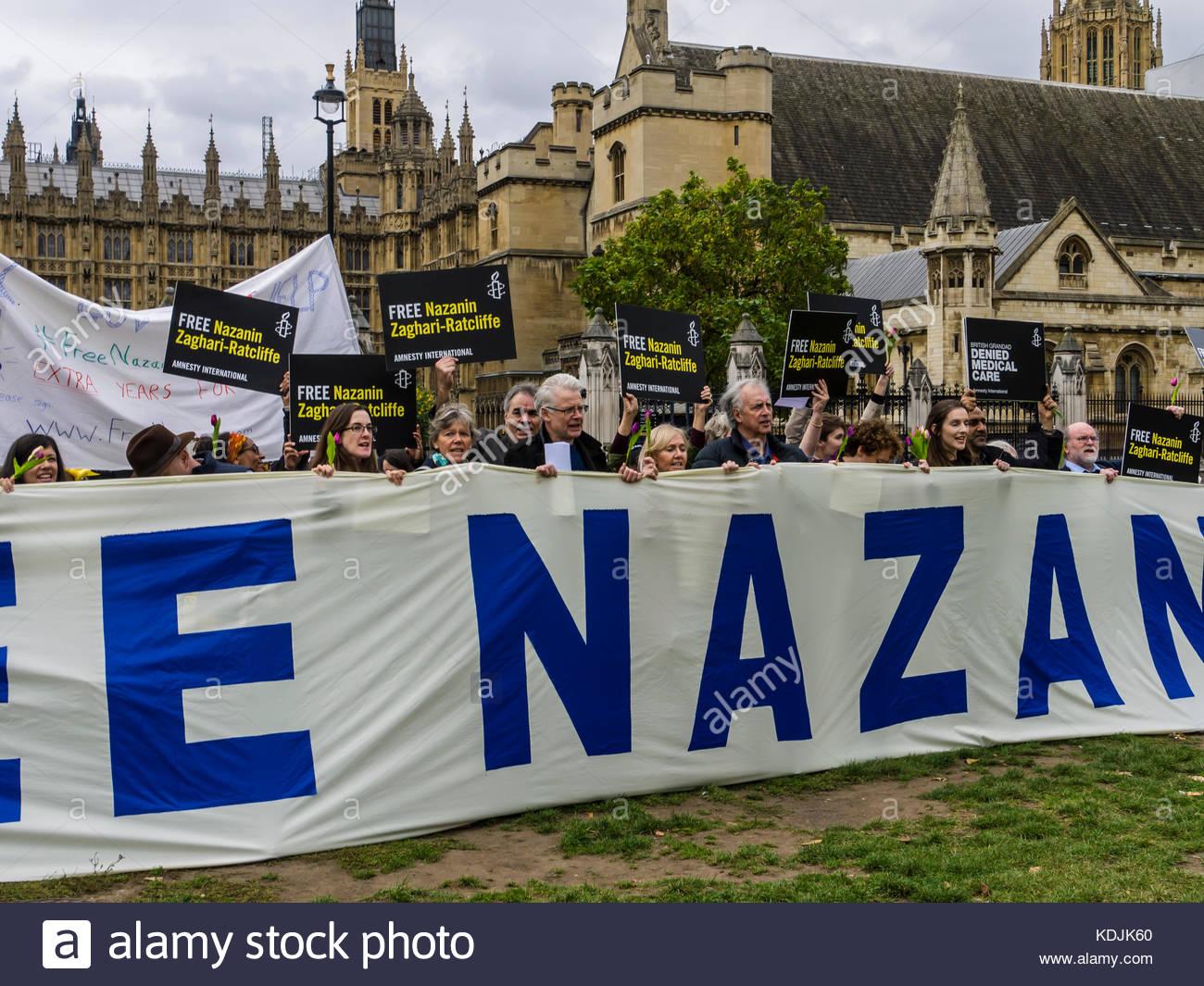 Kostenlose nazanin ratccliffe zaghari-Demo außerhalb des Parlaments London England Stockbild