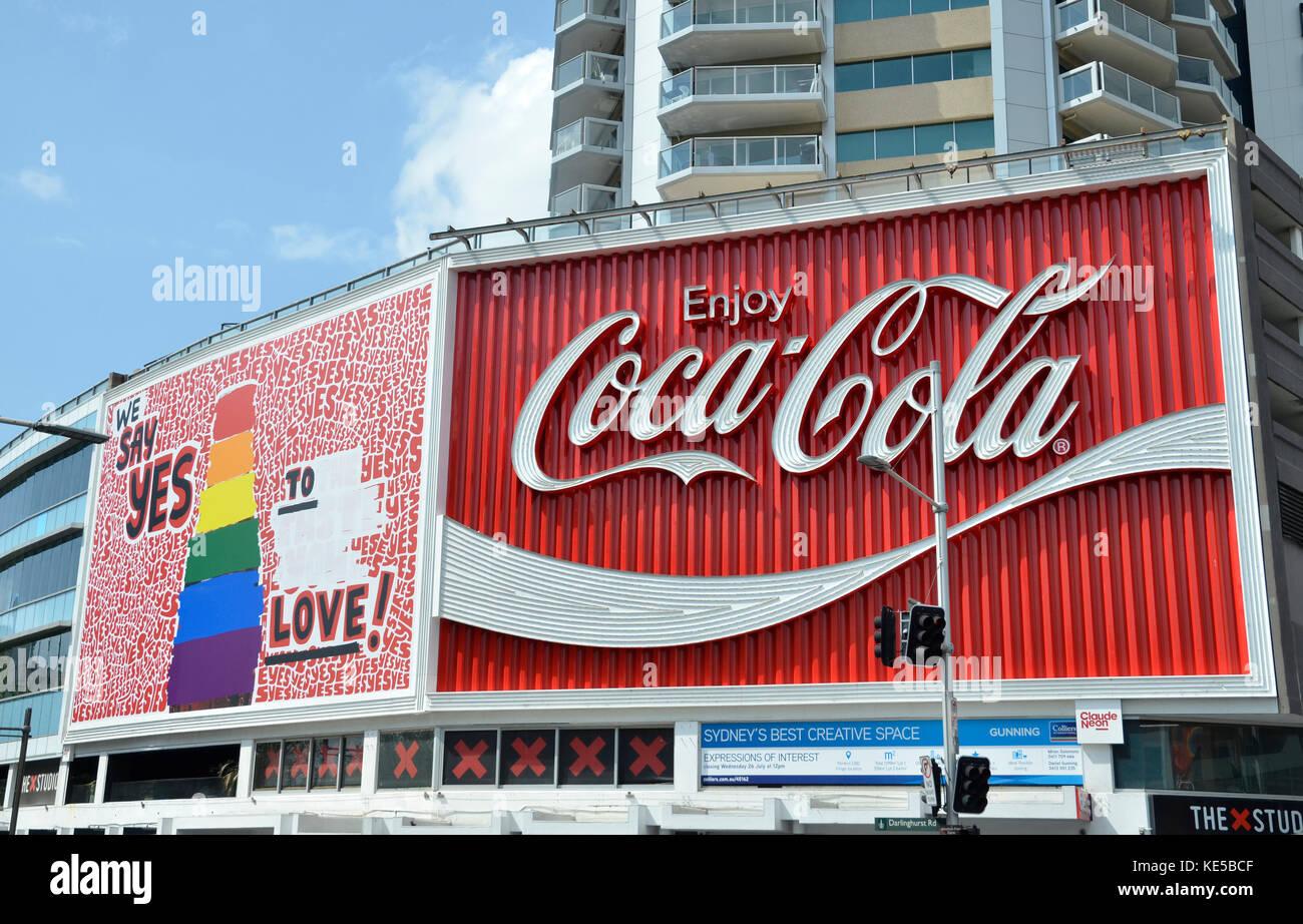 coca cola billboard stockfotos coca cola billboard. Black Bedroom Furniture Sets. Home Design Ideas