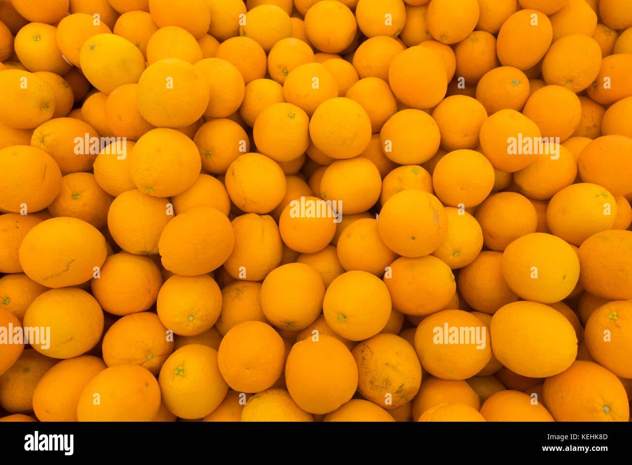 Stapel von Orangen Stockbild